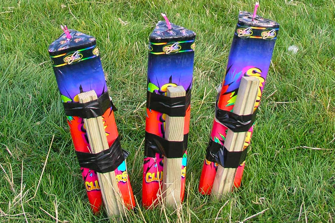 Fanned roman candles